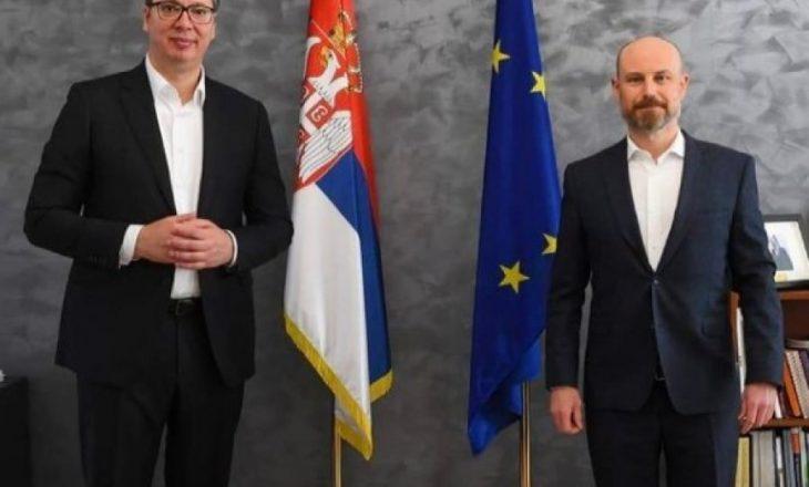 Vuçiq: S'kemi kushte për dialogun, kërkojmë të zbatohet gjithçka që është firmosur në Bruksel