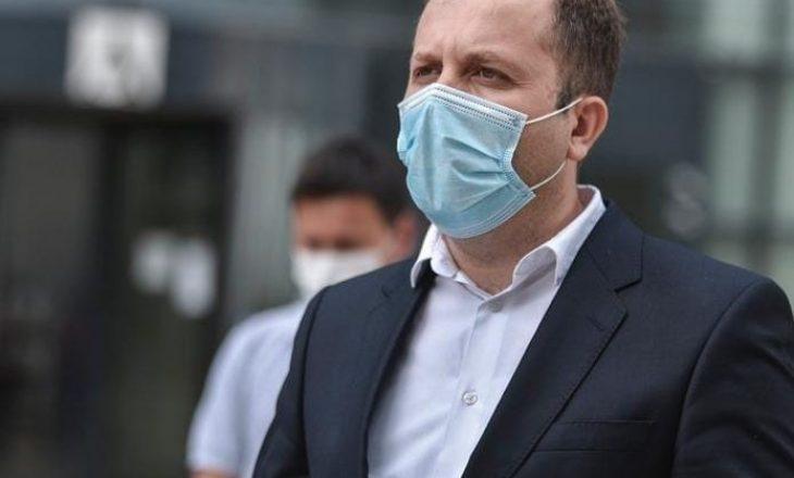 Ministria e Drejtësisë dorëzon kallëzim penal ndaj Selim Selimit dhe Nehat Thaçit