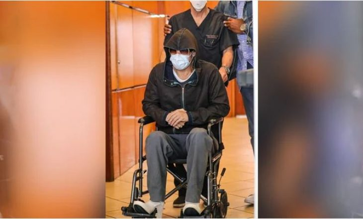 Brad Pitt del nga spitali në një karrocë me rrota