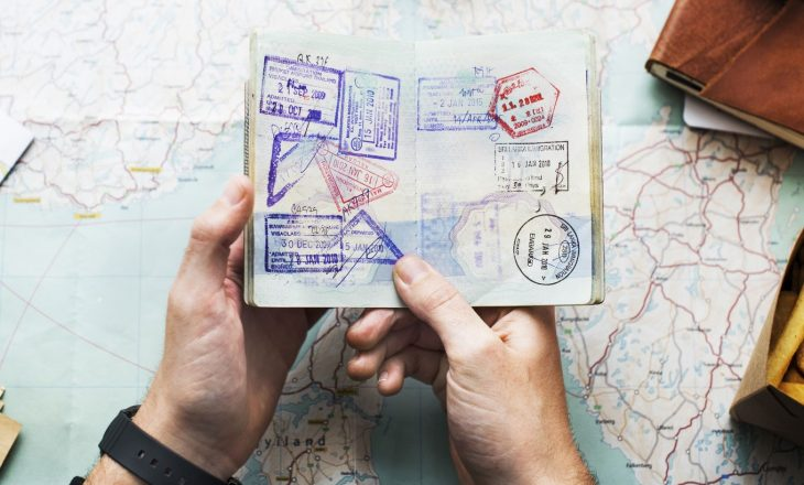 Drejtoria e vizave në Mbretërinë e Bashkuar rekomandon aplikimin për pasaportë në kohë
