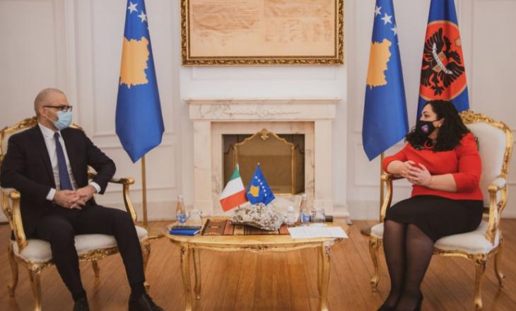 Presidentja e vendit, Vjosa Osmani ka pritur sot në takim ambasadorin e Italisë, Nicola Orlando