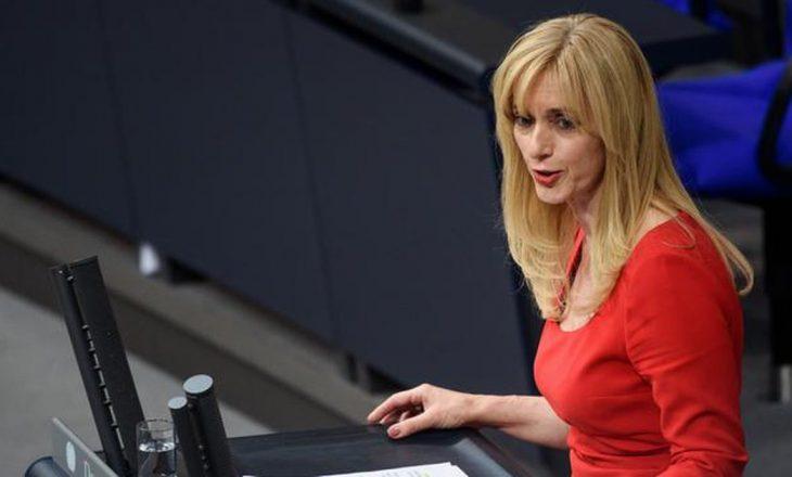 Deputetja gjermane: Duhet të kërkojmë bisedime direkte me Francën e Holandën që të liberalizohen vizat për Kosovën