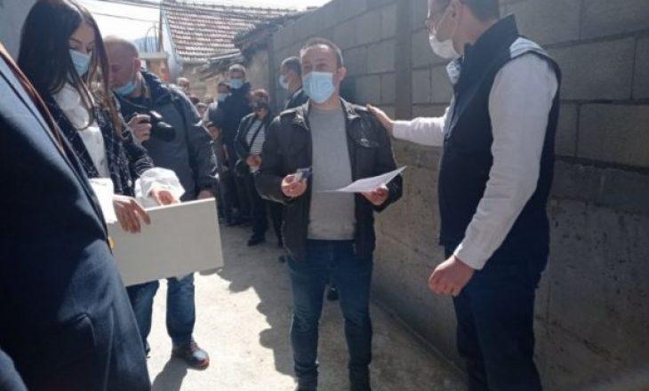 Beogradi vazhdon të dhurojë banesa për serbët e Veriut
