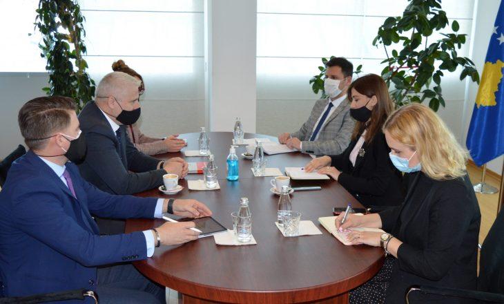 Haxhiu priti në takim Havollin ku diskutuan për hartimin e strategjisë kundër korrupsionit