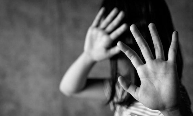 Abuzoi me fëmijën e saj të mitur – Burri e raporton në polici