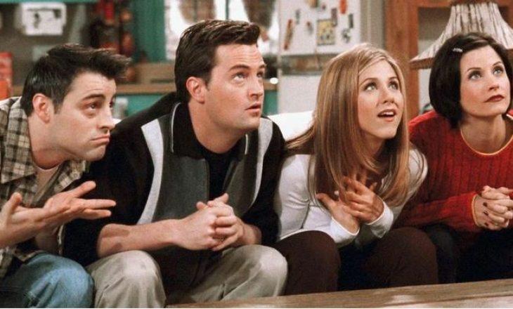 """Nisin xhirimet: Fotot e ribashkimit të """"Friends"""" po bëjnë xhiron e rrjetit"""