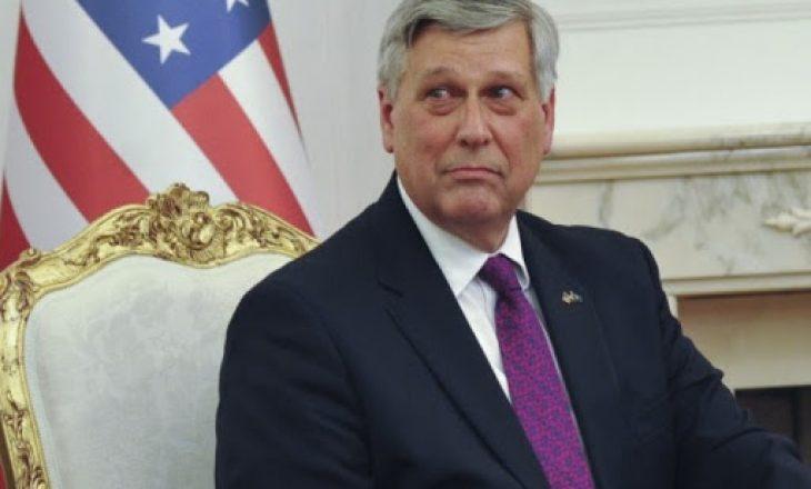 Ambasadori amerikan kundër që Kosova të vendosë tani reciprocitet ndaj Serbisë