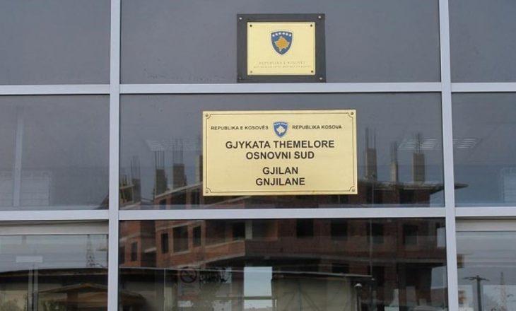 Gjilan: Qëlloi me armë drejt vëllait, dënohet me 22 muaj burg