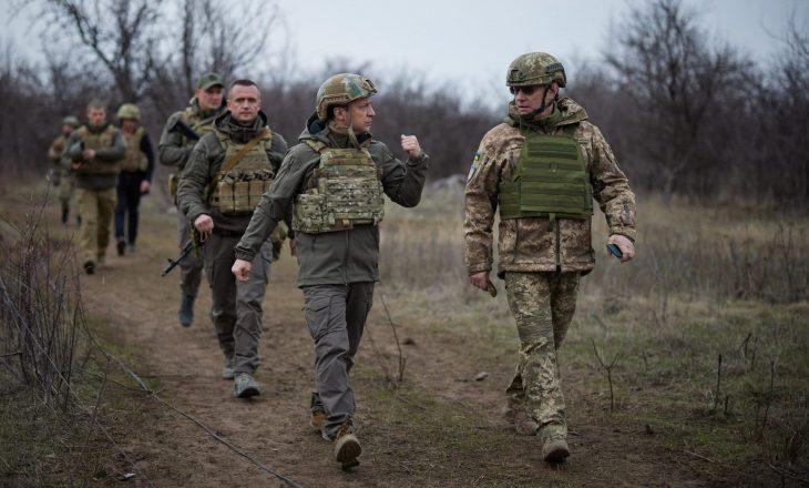 """Presidenti ukrinas Zelensky dekreton ligjin për rekrutimin e trupave rezervë """"në situata të veçanta"""""""
