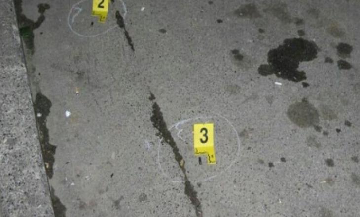 Fushë Kosovë: Sulmojnë me armë disa persona, plagoset njëri prej tyre