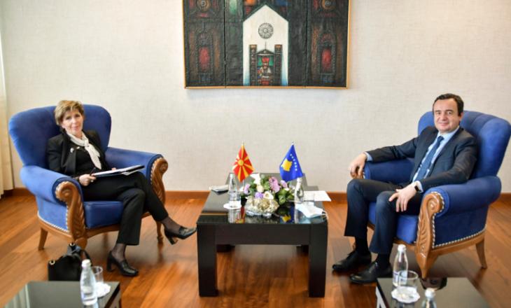 Kurti takohet me ambasadoren e Maqedonisë së Veriut në Kosovë, dakordohen për organizimin e një mbledhje në mes dy qeverive
