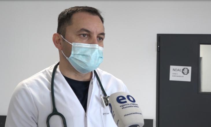 Mjeku i QKUK-së i bindur se komplikimet nga vaksina AstraZeneca janë minimale
