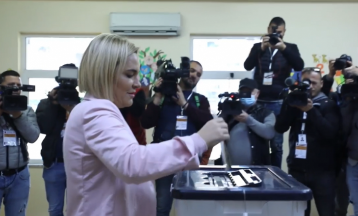 Voton Monika Kryemadhi