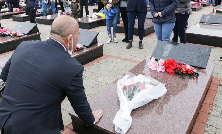Haradinaj në Mejë: E kemi borxh të mbrojmë lirinë dhe drejtësinë për të rënët