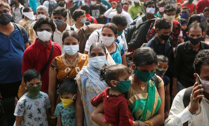 """India shënon """"rekord të zi"""", mbi 300 mijë raste me COVID-19 brenda ditës"""