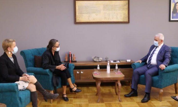 Sveçla takon dy përfaqësueset e OKB-së, të gatshëm për thellim të bashkëpunimit