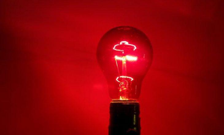 Studimi i ri shkencor: Çfarë ndodh nëse shikon një dritë të kuqe për 3 minuta në ditë?