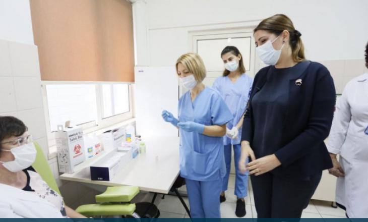 Ritmet e vaksinimit: Shqipëria e para, lë pas Kroacinë dhe Serbinë