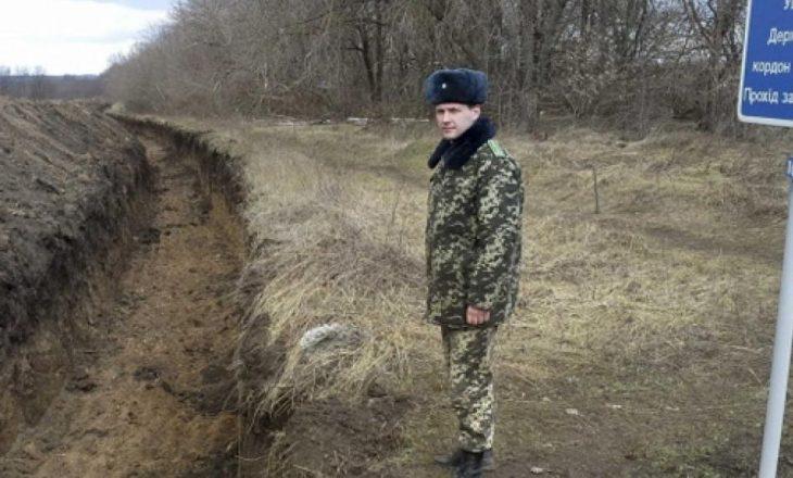 Rusia ka 150,000 trupa pranë kufijve të Ukrainës, vlerëson Bashkimi Evropian (BE)