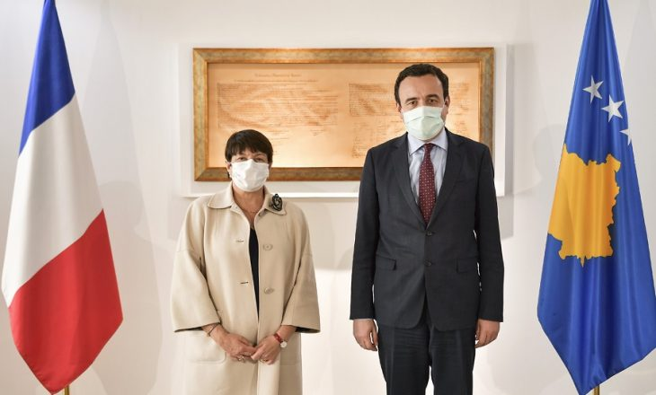 Kurti kërkon nga Franca ndihmë për tejkalimin e pandemisë