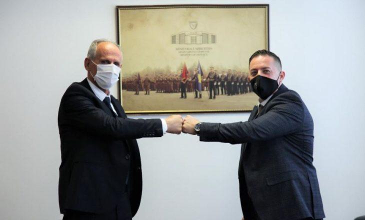 Shemsi Syla pranon detyrën e Zëvendës Ministrit të Mbrojtjes