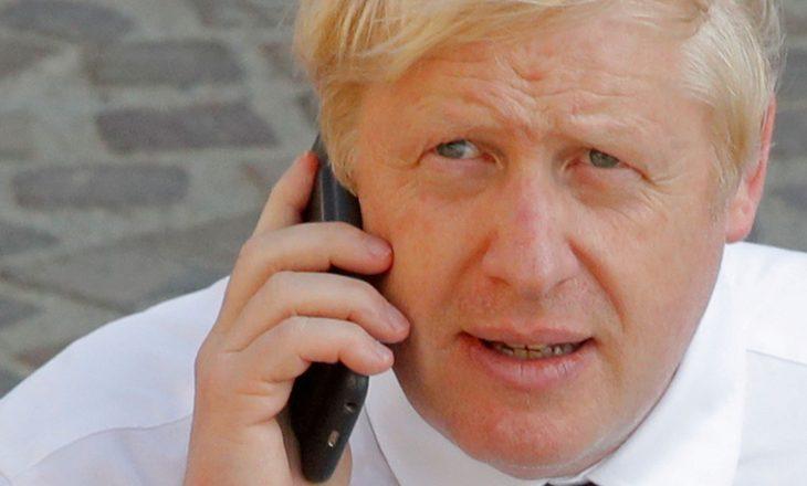 Numri i telefonit të Boris Johnson ishte publik në internet për 15 vjet