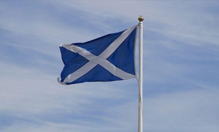 Figura të kulturës nga Evropa kërkojnë nga BE-ja antarësimin e Skocisë në bllok nëse skocezët votojnë për t'u pavarësuar nga Britania e Madhe
