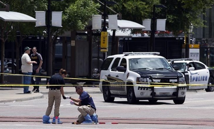 Nga të shtënat në Wisconsin të SHBA-së, tre persona mbetën të vrarë dhe dy të plagosur rëndë