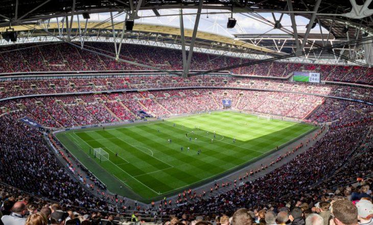 Zyrtare: Finalja e Carabao Cup mes Tottenham dhe Cityt zhvillohet me tifozë