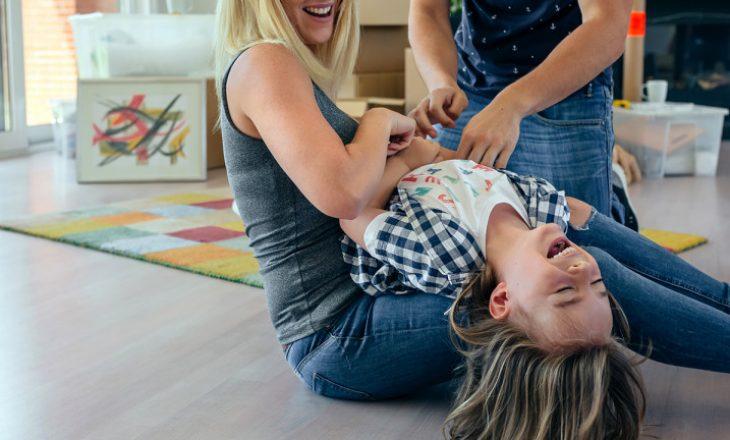 Gudulisja tek fëmijët – lojë apo e rrezikshme për shëndetin?