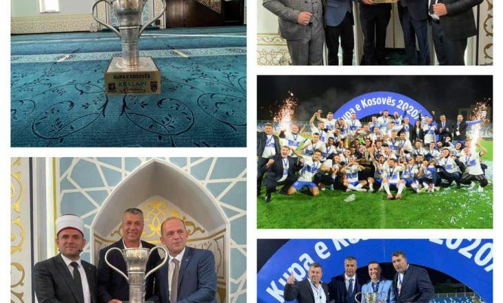 Llapjanët e falin Bajramin në prezencë të trofeut të Kupës së Kosovë
