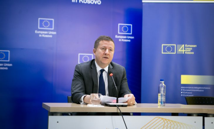 Përfaqësuesi i BE-së në Kosovë: Qeveria të ketë kujdes për vettingun në drejtësi