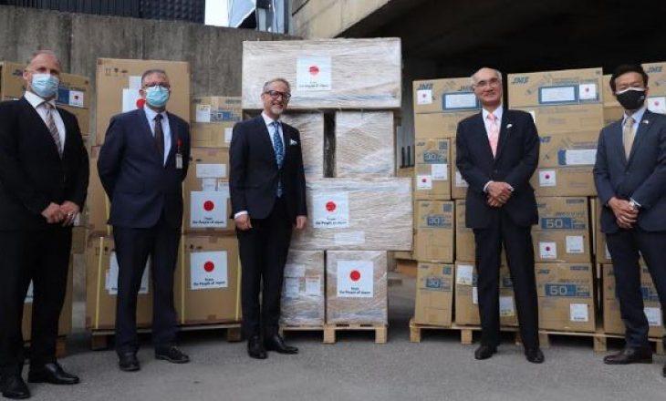 Japonia i dorëzon donacion Ministrisë së Shëndetësisë