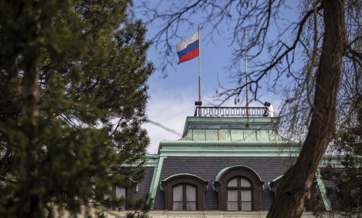 Rusia dëbon atasheun ushtarak të Rumanisë