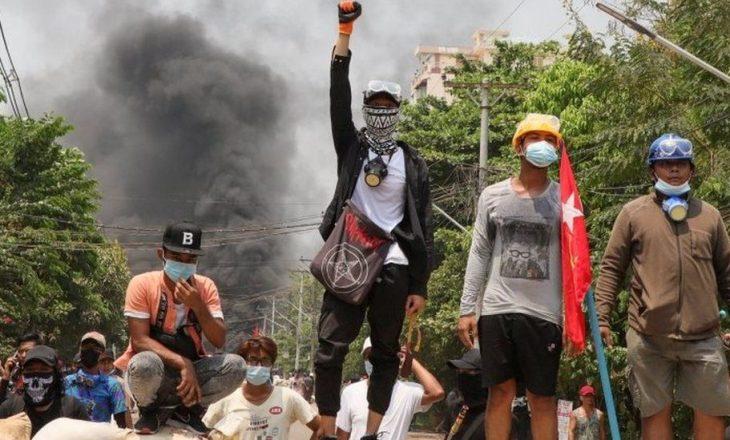 Shkon në 828 numri i viktimave nga trazirat pas grushtit të shtetit në Mianmar
