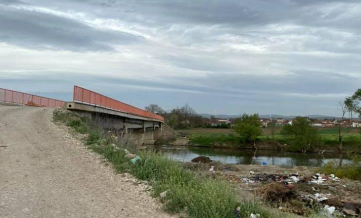 Ministri Aliu zotohet për rregullimin e urës në Pestovë