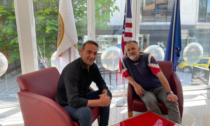 Daut Haradinaj prezanton kandidatin e parë për asamblist në Prishtinë