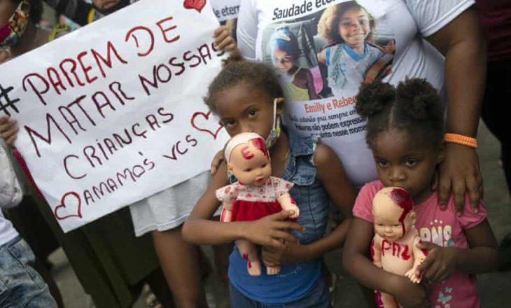 Nënat braziliane që kanë humbur fëmijët nga dhuna e policisë, protestojnë në Rio de Janiero