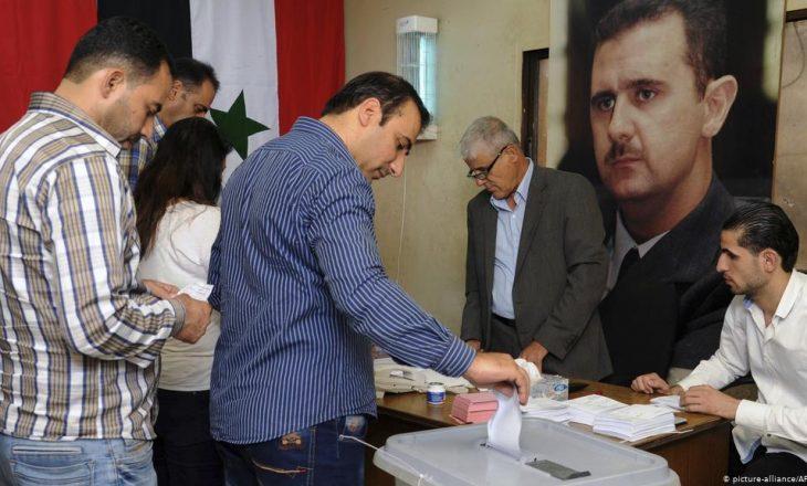 Siria mban zgjedhjet presidenciale që pritet t'i fitojë Bashar al-Assad