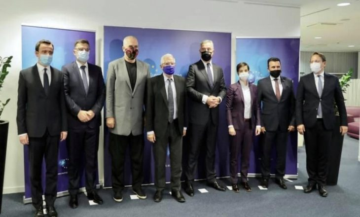 Rama publikon pamje nga darka e Brukselit