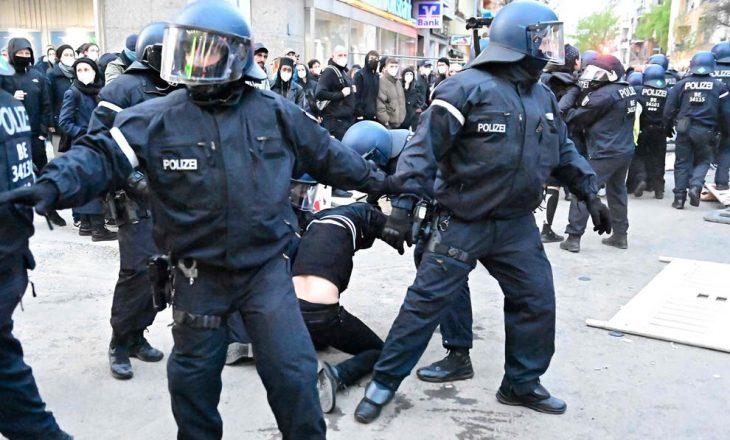 Mbi 50 oficerë policie plagosen dhe mbi 250 protestues arrestohen në protestën e dhunshme më 1 Maj në Gjermani