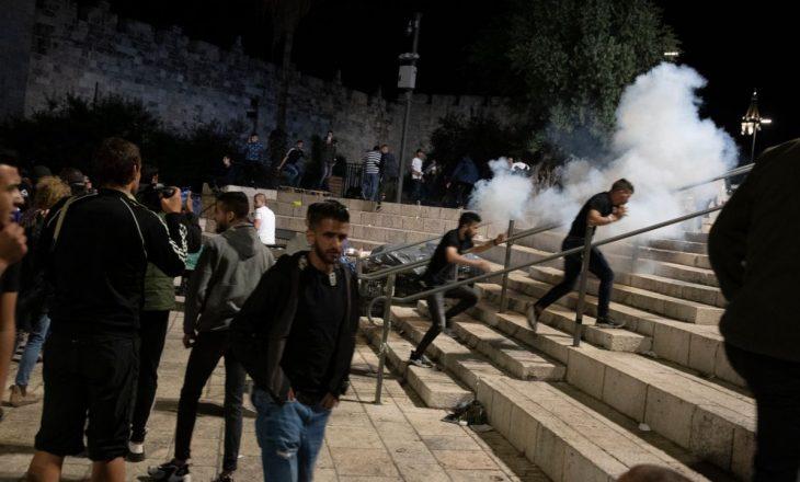 163 palestinezë dhe gjashtë oficer policor janë lënduar në trazirat në xhaminë e Al-Aqsa