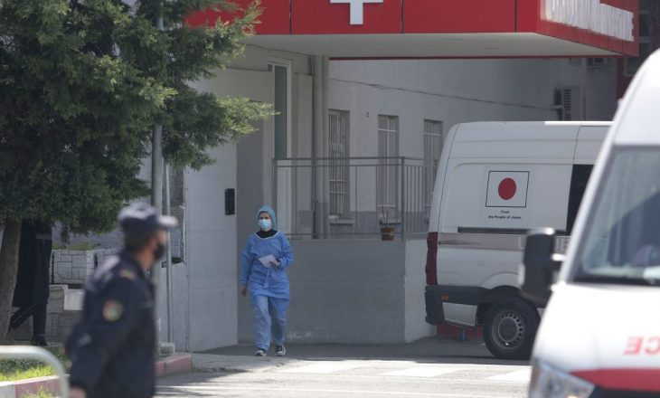 Dy të vdekur dhe 38 raste të reja me COVID-19 në Shqipëri