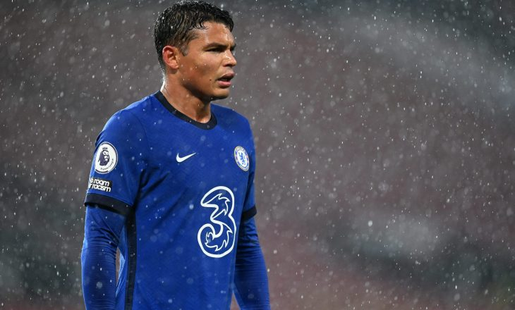 Chelsea planifikon kontratën e re për Thiago Silvan