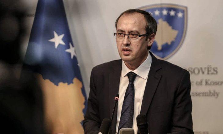 Hoti falënderon deputetin gjerman që kërkoi liberalizimin e vizave për Kosovën