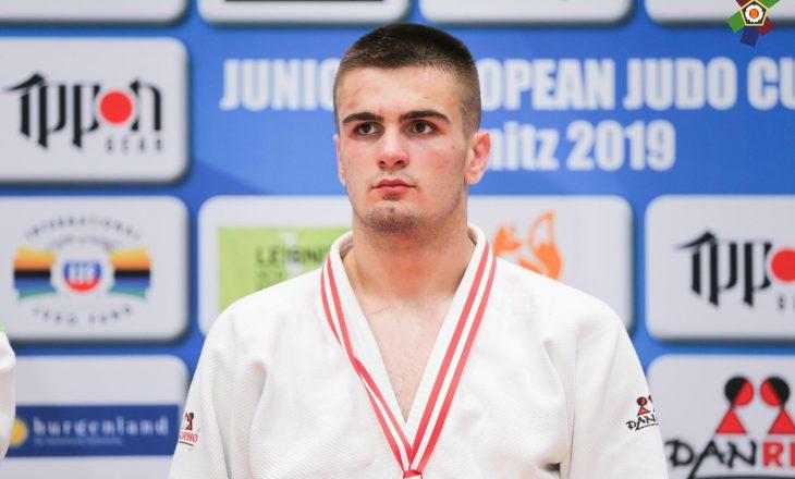 Zekaj kalon në rundin e dytë në evropianin që po mbahet në Kroaci