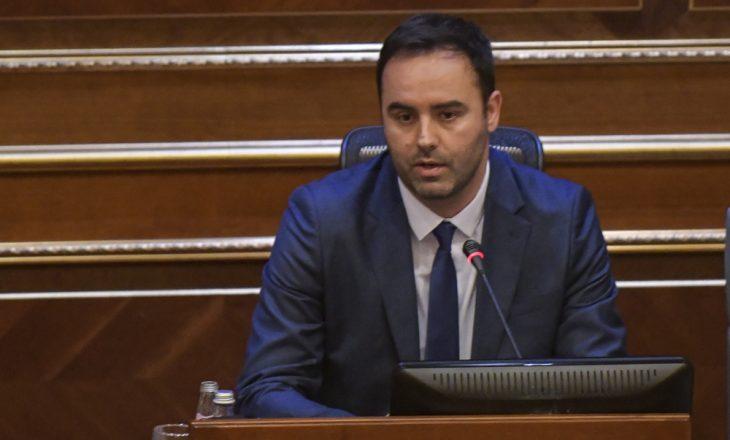 Konjufca i ndërhyn Ramush Haradinajt pas pyetjes për Kurtin nëse është agjent serb