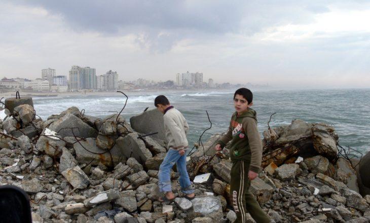 Izraeli dhe Hamasi pretendojnë fitoren në konflikt ndërsa armëpushimi i brishtë mbahet akoma