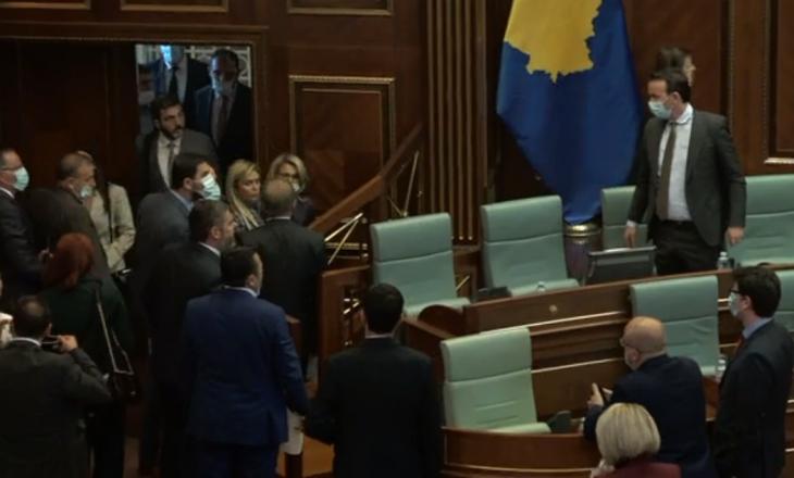 Opozita lëshon seancën, Bogujevci kërkon pauzë 15-minutëshe