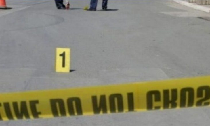 Lëndohet një person në Podujevë, pasi rrokulliset me veturë